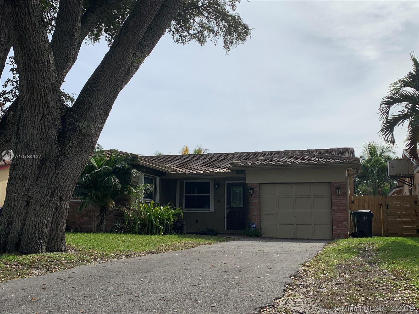 1408 SW 32nd St  For Sale A10784137, FL