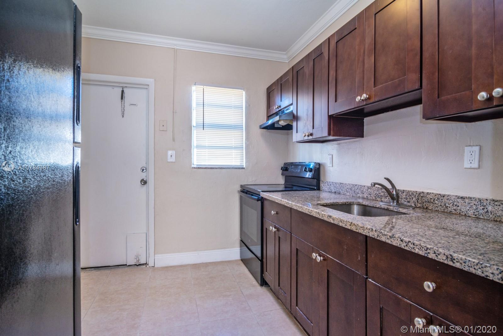 704 NW 14th Ter #4 For Sale A10784387, FL