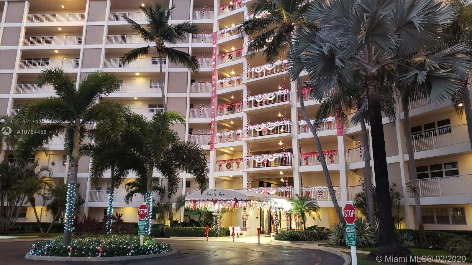 2086 SQFT! Beautiful apartment in Pompano Beach! This is the only KING size model in the area, the largest 3/2 model in Palmaire with 2086 sqft according to the original purchase contract but priced as a 1700sqft unit! Don't miss it! The assigned parking spot is steps away from the apartment! Ready to move, nicely remodeled. Gorgoeus Marble and wood floors. Granite counter top in kitchen. Impact Windows. Must see! Maintenance includes, water, trash, basic cable and internet! 20% MINIMUM DOWN PAYMENT REQUIRED BY ASSOCIATION.