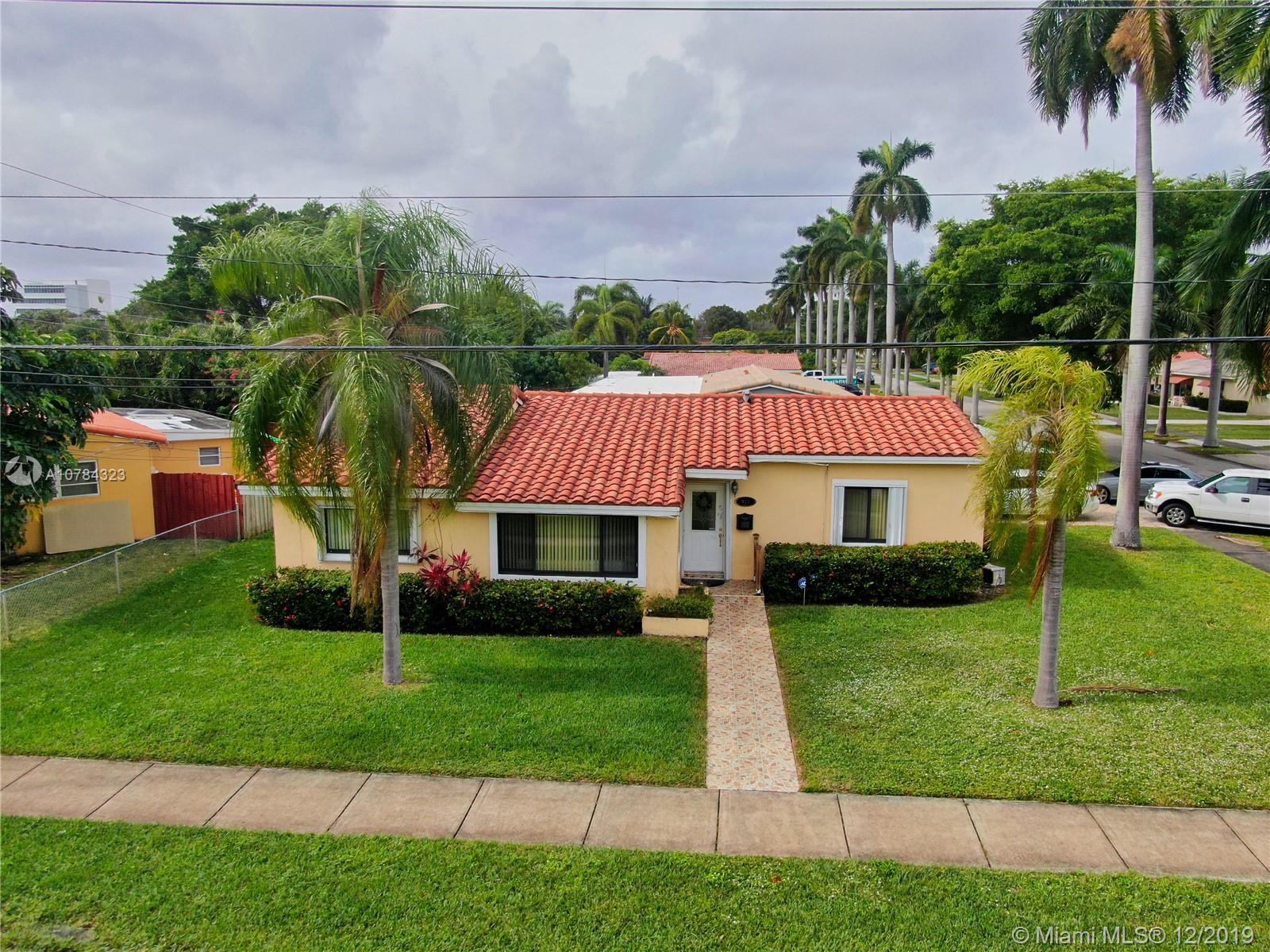 918 NE 3Rd St  For Sale A10784323, FL
