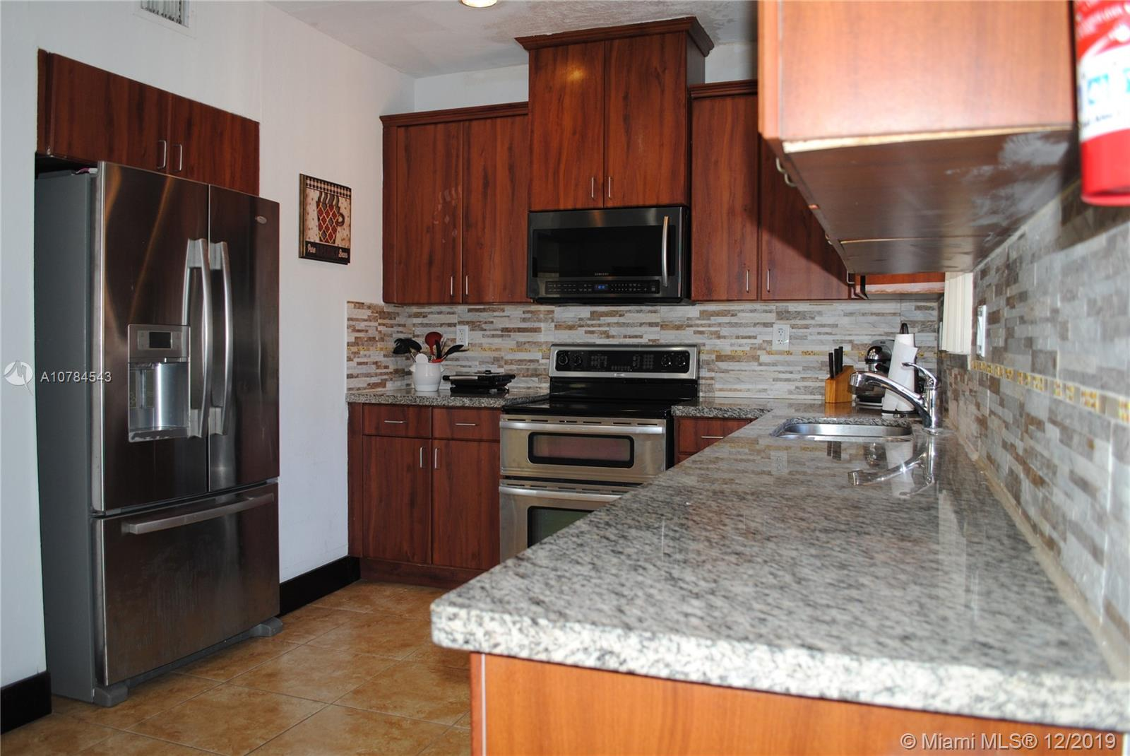 1631 SW 16th St  For Sale A10784543, FL
