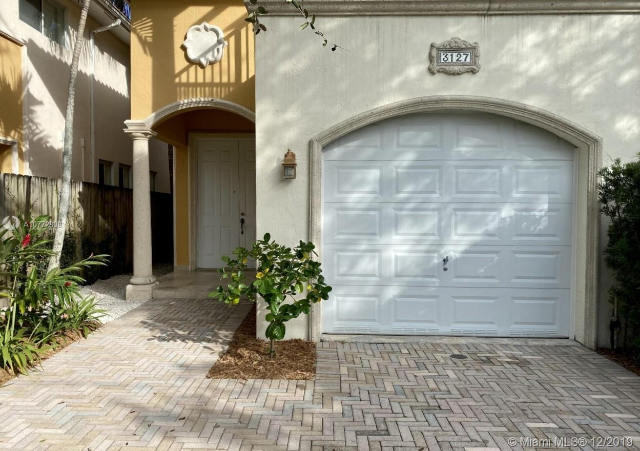3127  New York St #3127 For Sale A10772808, FL