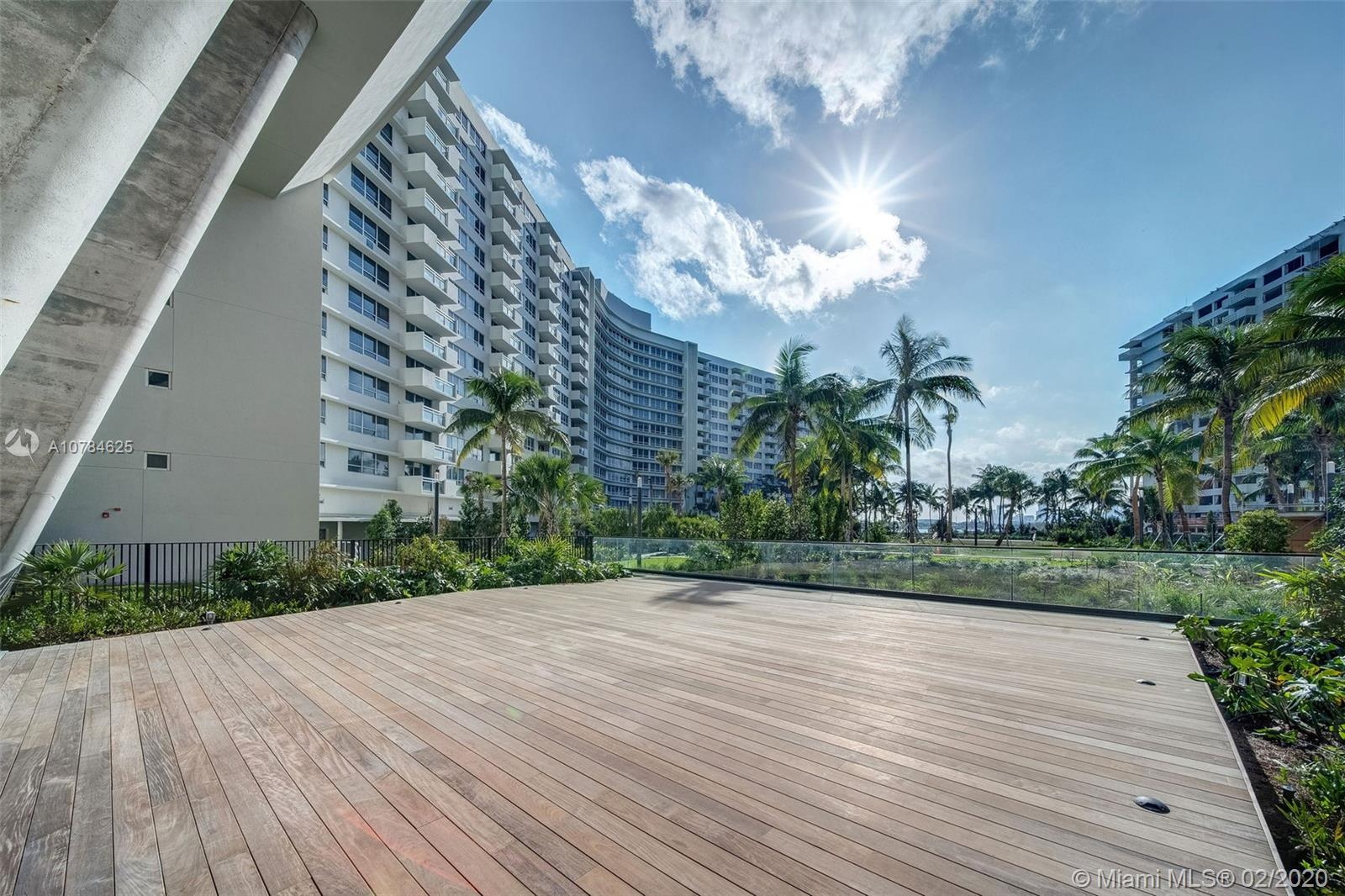 1500  Bay Rd #S-784 For Sale A10784625, FL
