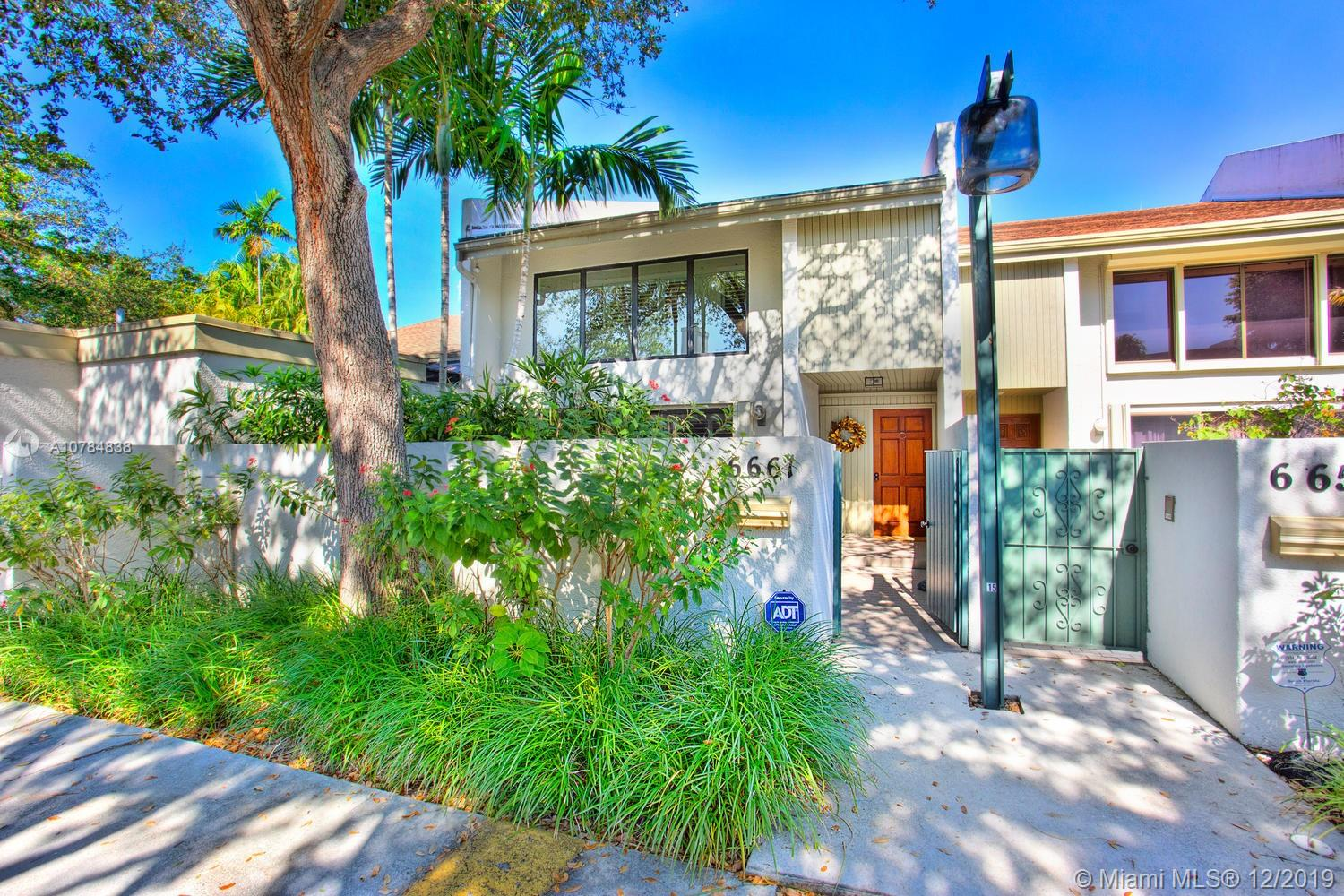 6661 SW 70 Ln #32 For Sale A10784838, FL