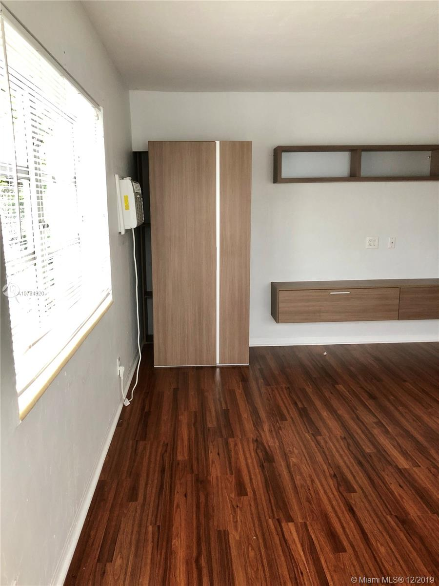 7922  Abbott Ave #4 For Sale A10784920, FL