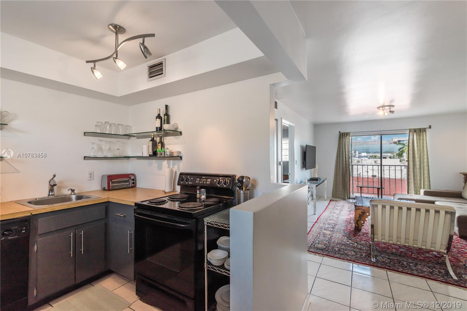 1615  Meridian Ave #402 For Sale A10783858, FL