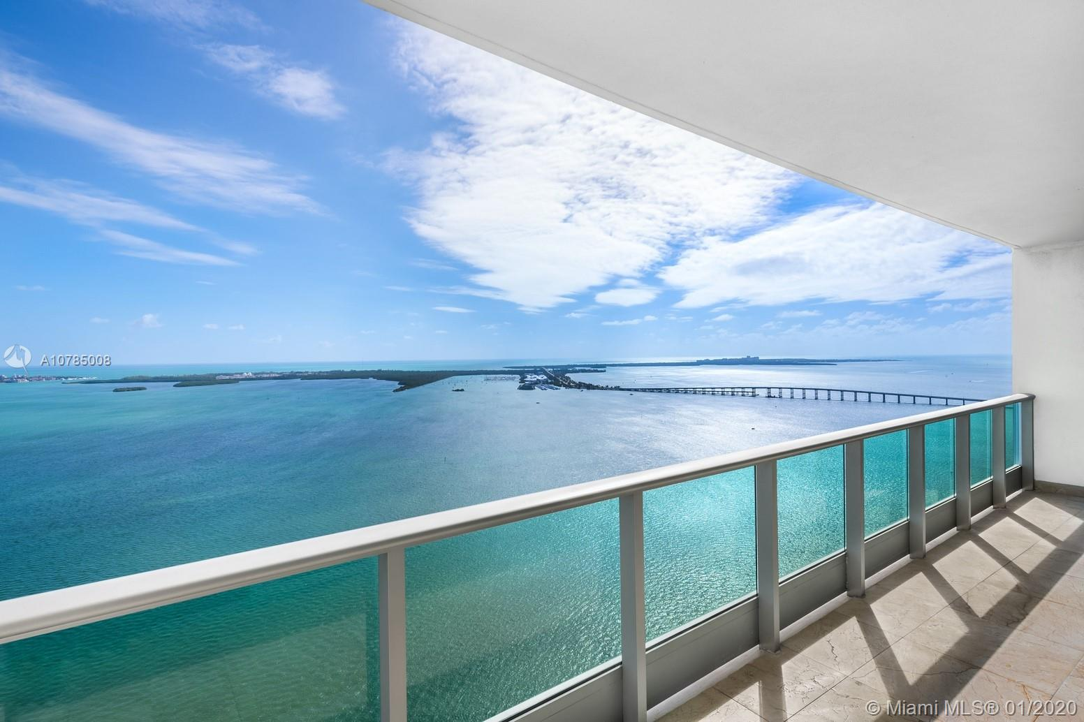 Spectacular 3BR/3BA/3 ASSIGNED PARKING SPACES + 1 Complementary Valet Parking & 1 storage unit. Fabulous living on an exclusive waterfront real estate location in the very center of Miami. Features expansive panoramas of Miami's stunning skyline and unobstructed ocean view. Elevator to your private foyer entry, gourmet/ Italian cabinetry kitchen with S.S. appliances. Marble floors throughout, floor to ceiling high impact windows, lots of natural light coming in. Formal living & dining room. Impressive master bedroom with stunning water view & spacious bathroom including Roman bathtub & separate tempered glass shower. Enjoy the resort amenities like: the relaxing infinity water front pool & cabanas, spa, Jacuzzi, gym, rooftop party room & other exclusive services. Check Virtual tour.