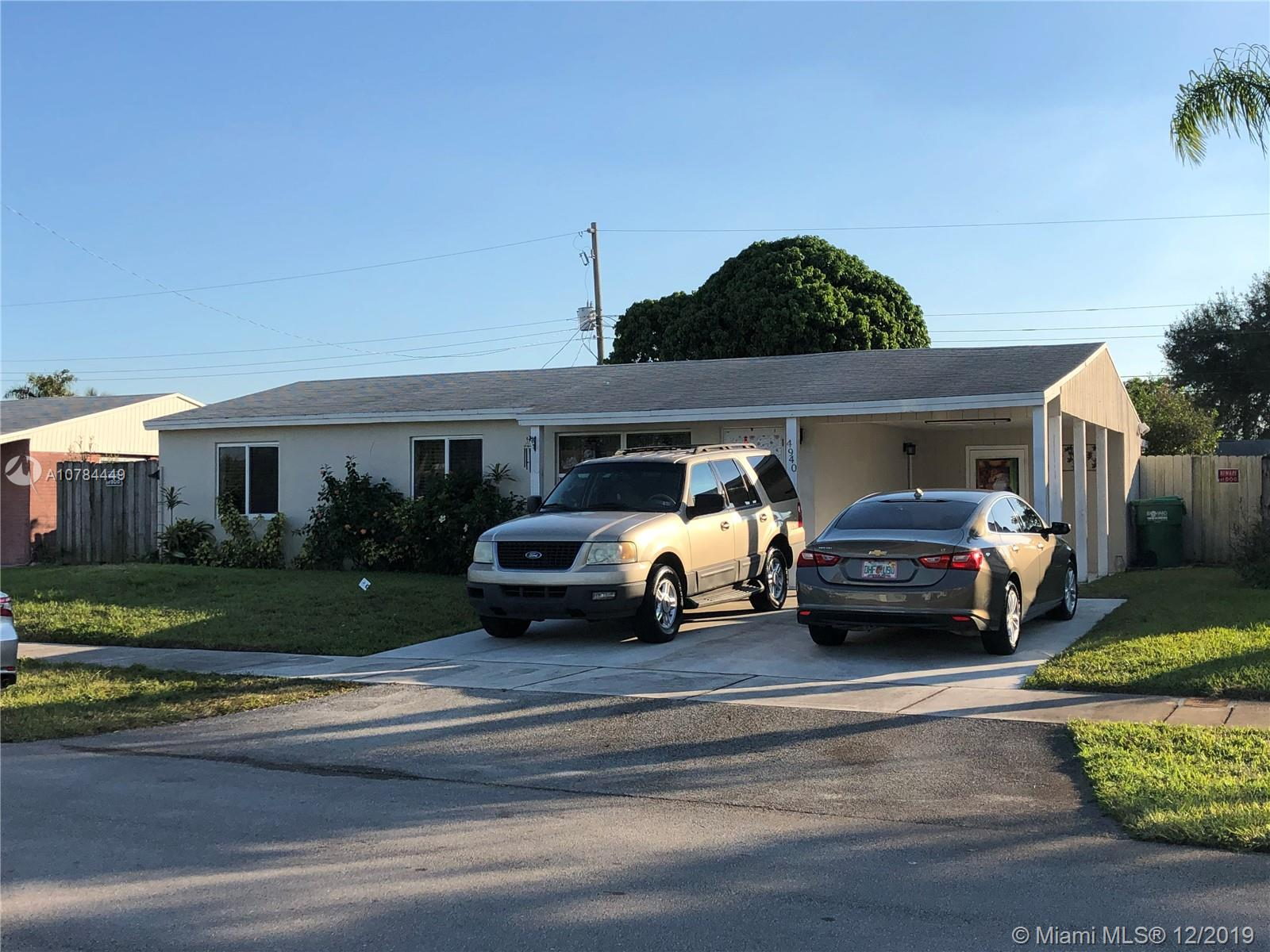 4940 SW 17th St  For Sale A10784449, FL