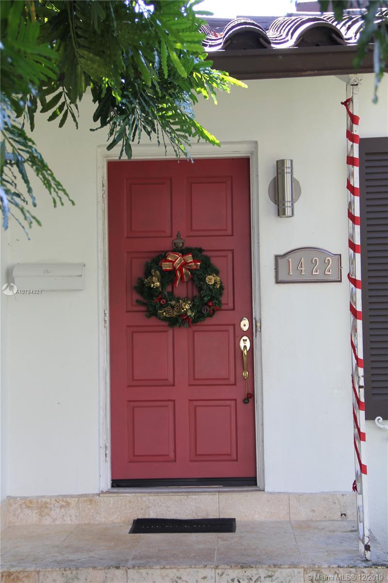 1422  Medina Ave  For Sale A10784921, FL