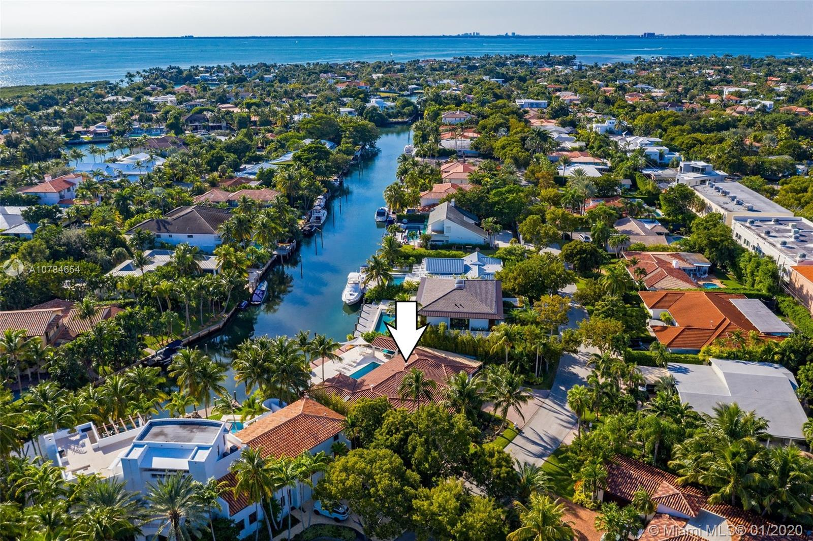 110  Island Dr  For Sale A10784654, FL