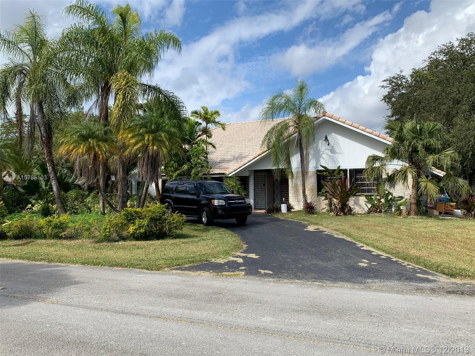 9201 SW 102nd St  For Sale A10785103, FL