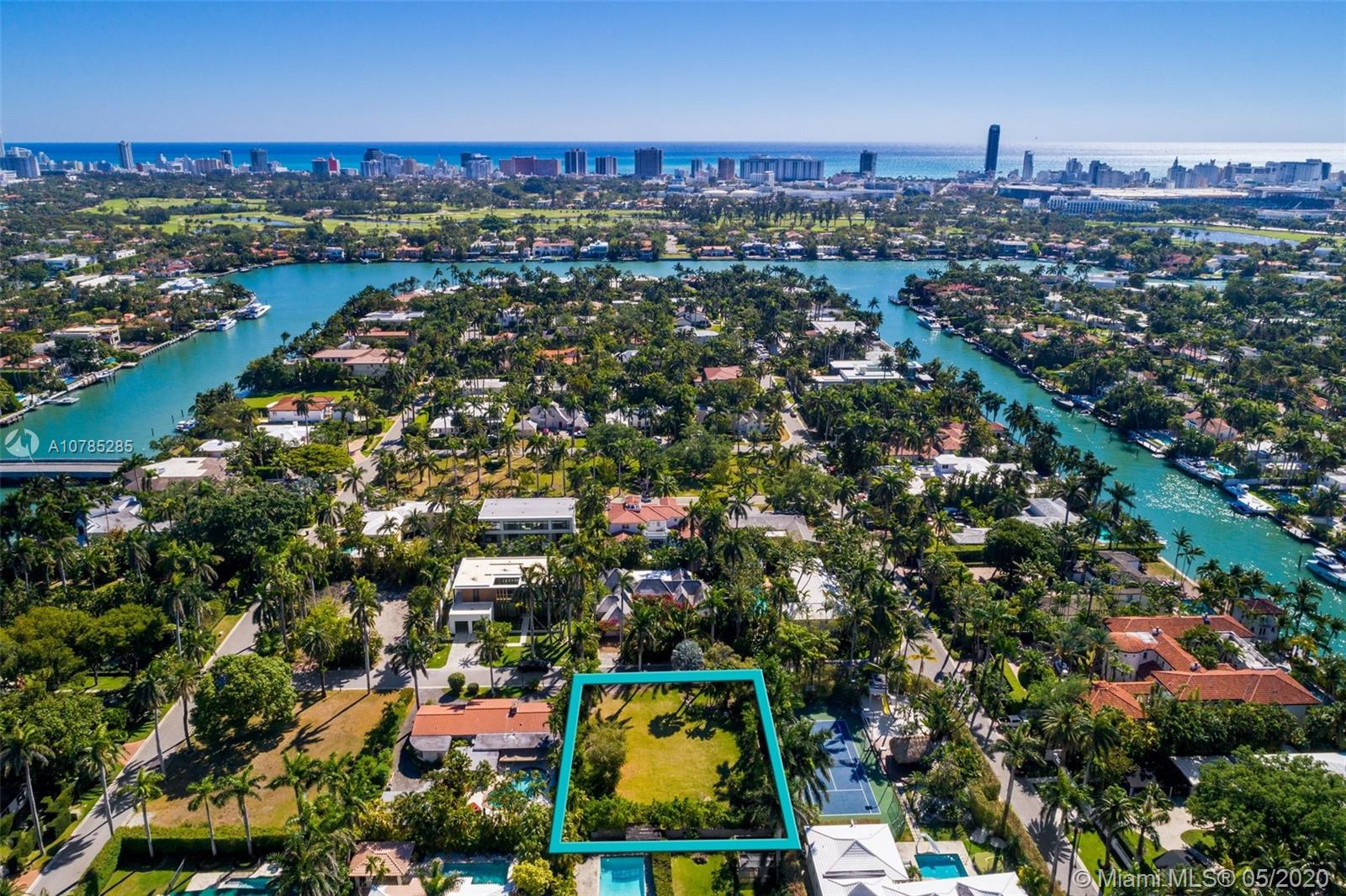 2520  Shelter Ave  For Sale A10785285, FL