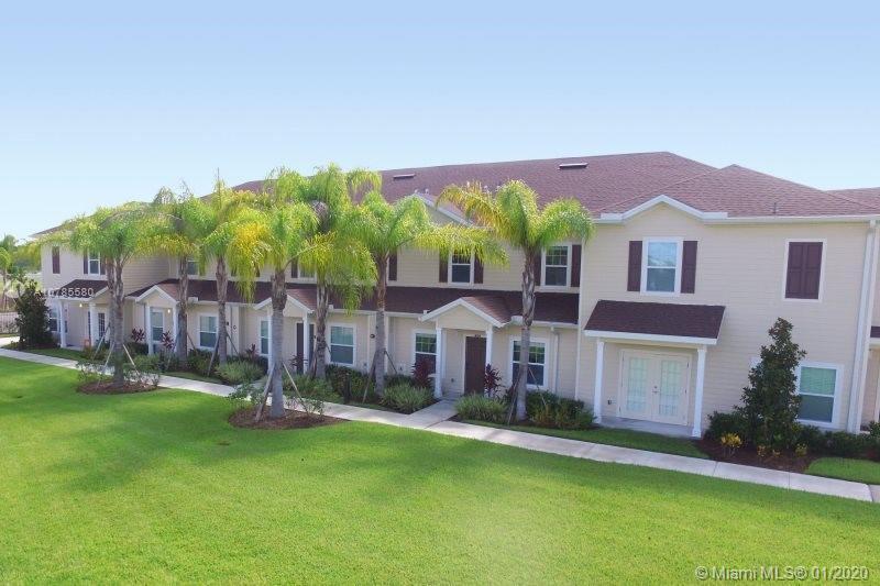 8939 Shine Dr, Kissimmee, FL 34747