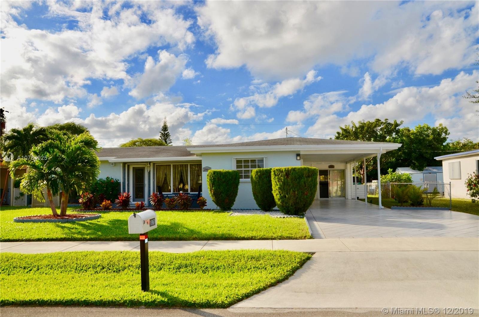 1861 SW 42nd Ter  For Sale A10784925, FL