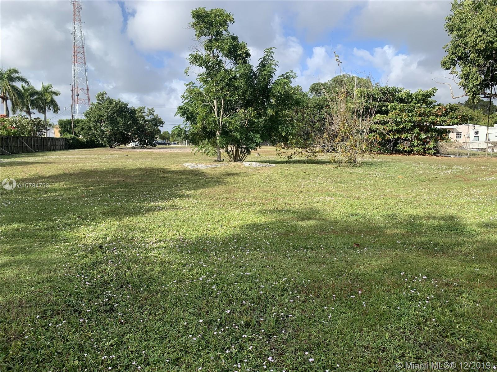 5941 SW 87th Ave  For Sale A10784703, FL