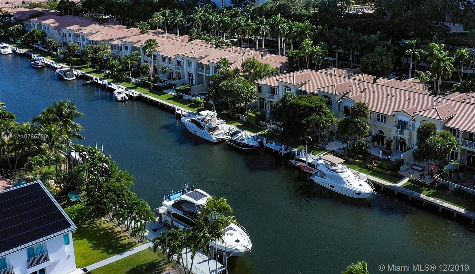 3709 NE 214th St #/+Guest House+Dock For Sale A10785700, FL