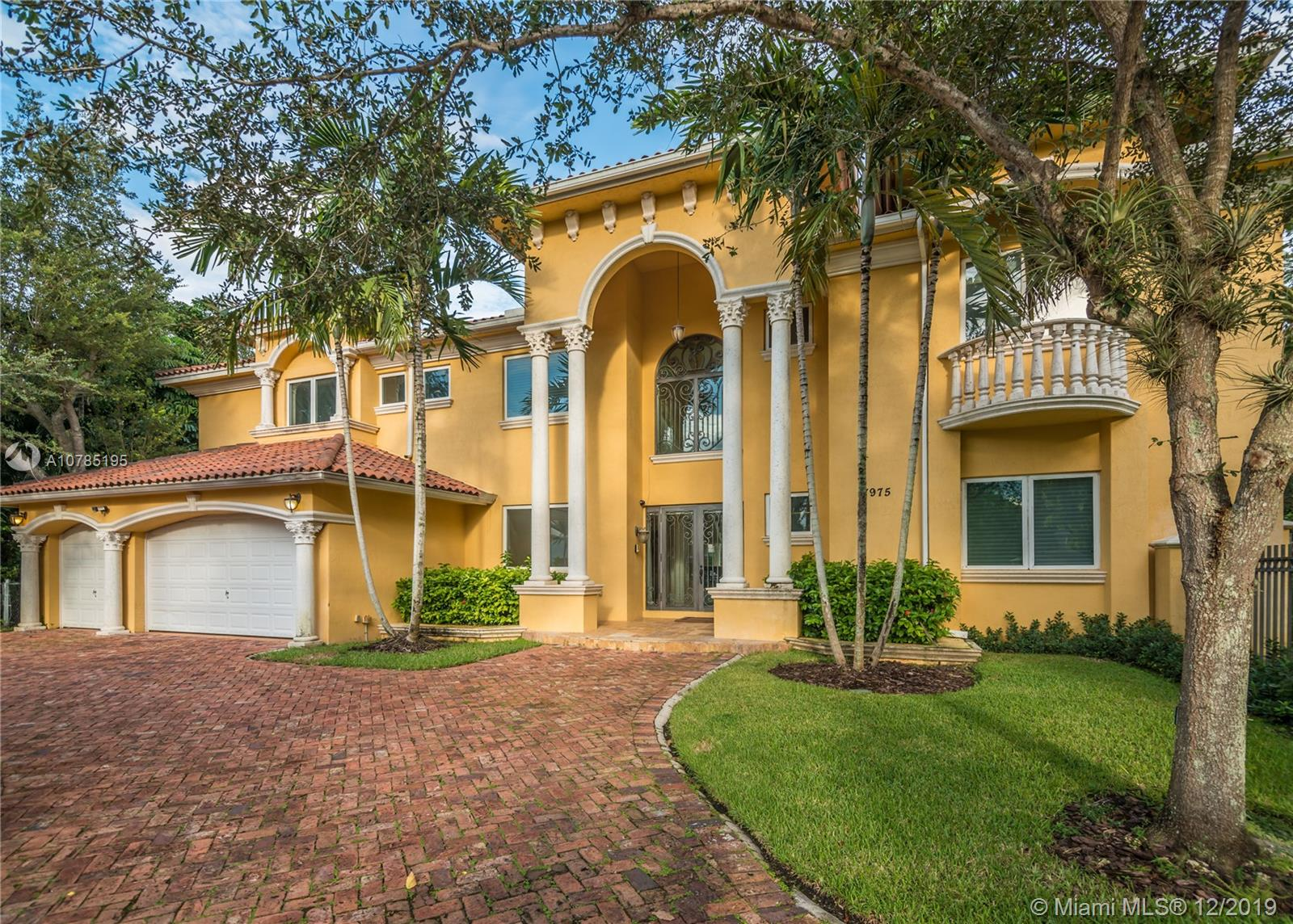7975 SW 52 Ct  For Sale A10785195, FL