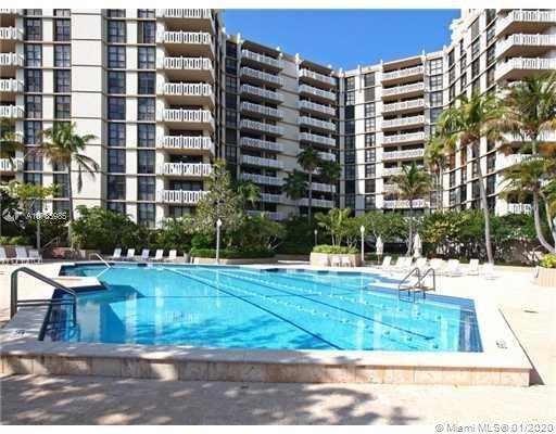 1121  Crandon Blvd #D205 For Sale A10785985, FL