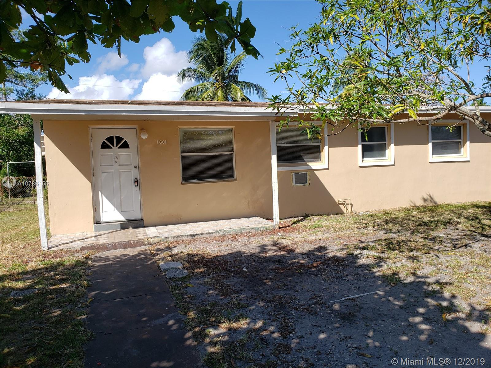 1601 NW 15th Ct  For Sale A10786156, FL