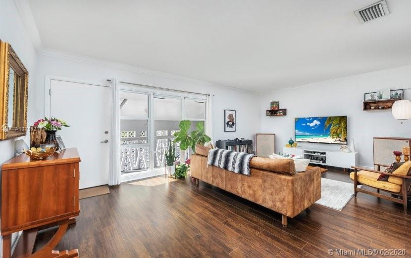 35  Edgewater Dr #203 For Sale A10786211, FL