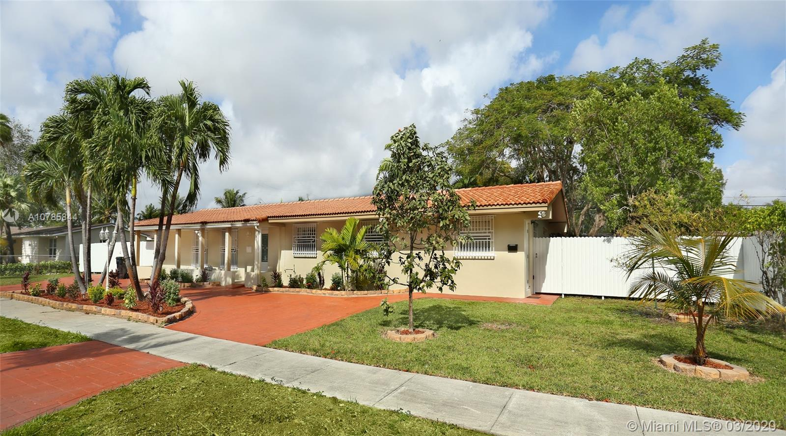 8861 SW 88th St  For Sale A10785844, FL