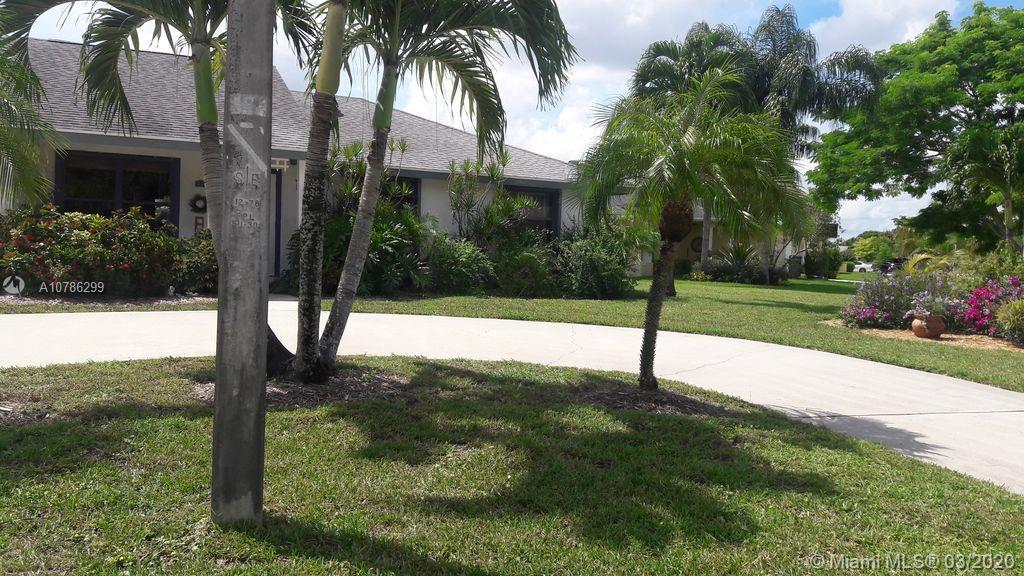 320  Sandpiper Ave  For Sale A10786299, FL