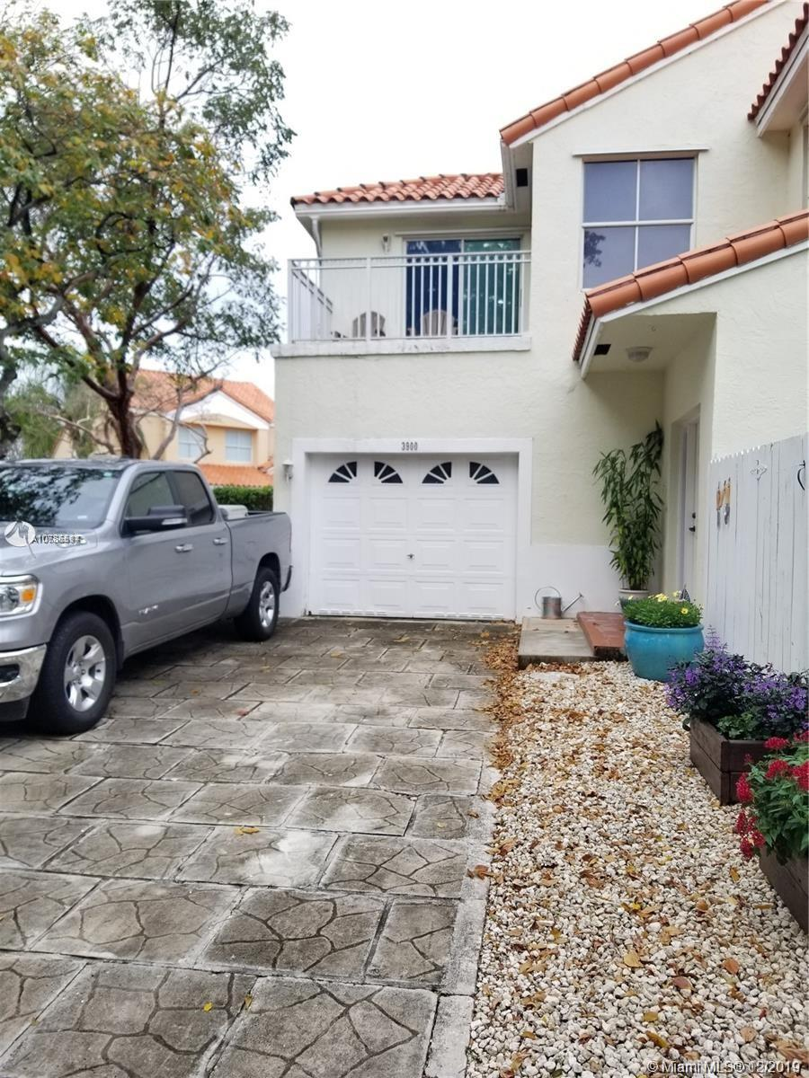3900  Lombardy St  For Sale A10786514, FL