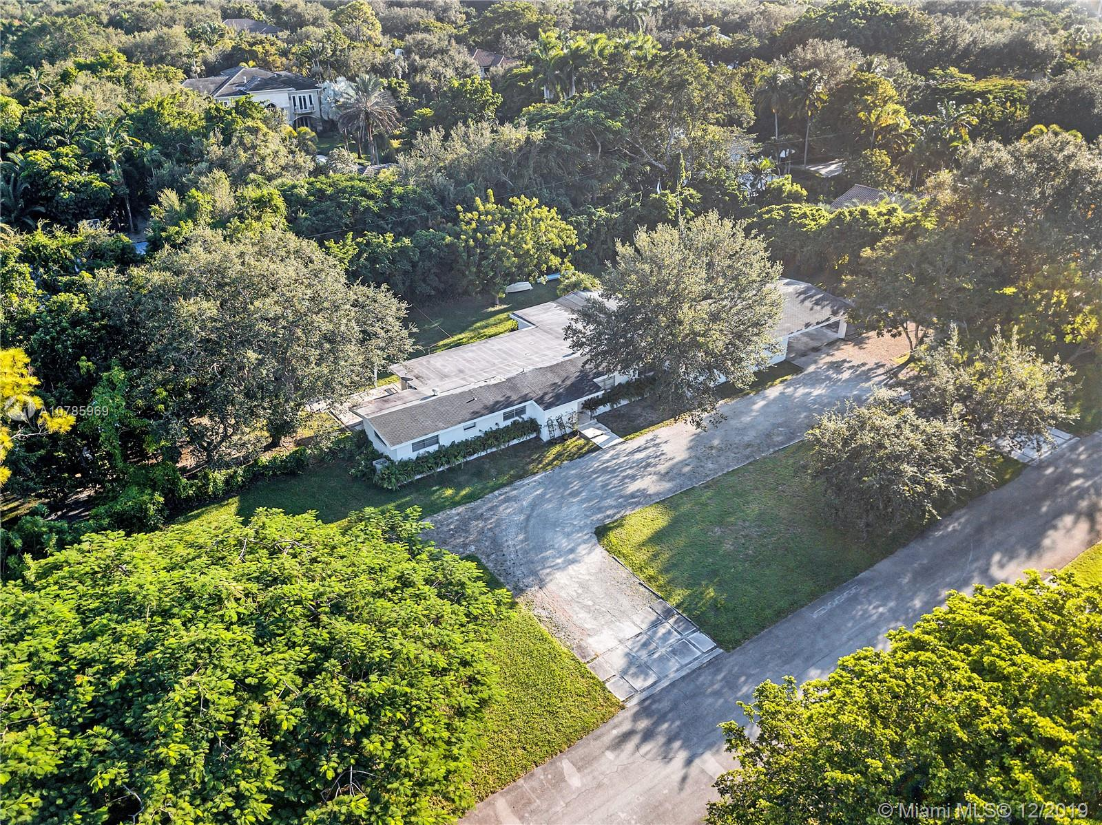 5850 SW 93rd St  For Sale A10785969, FL