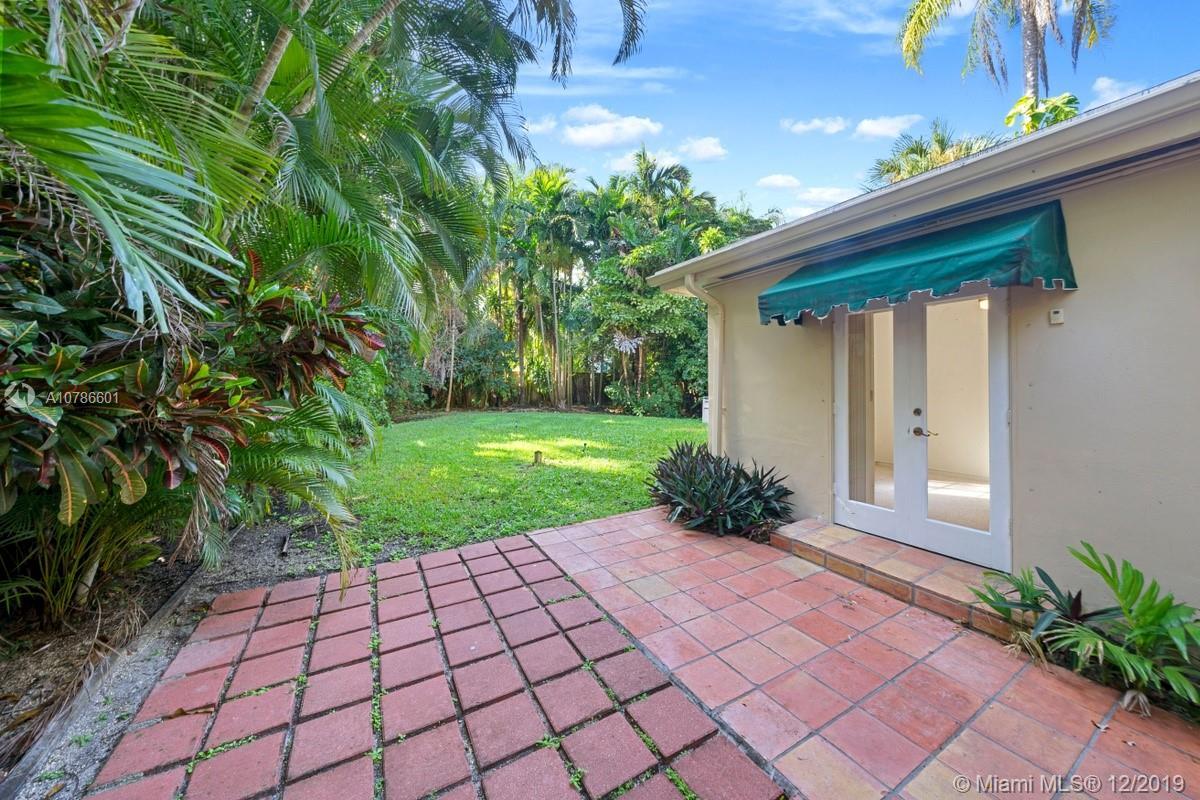 3630  Palmetto Ave  For Sale A10786601, FL