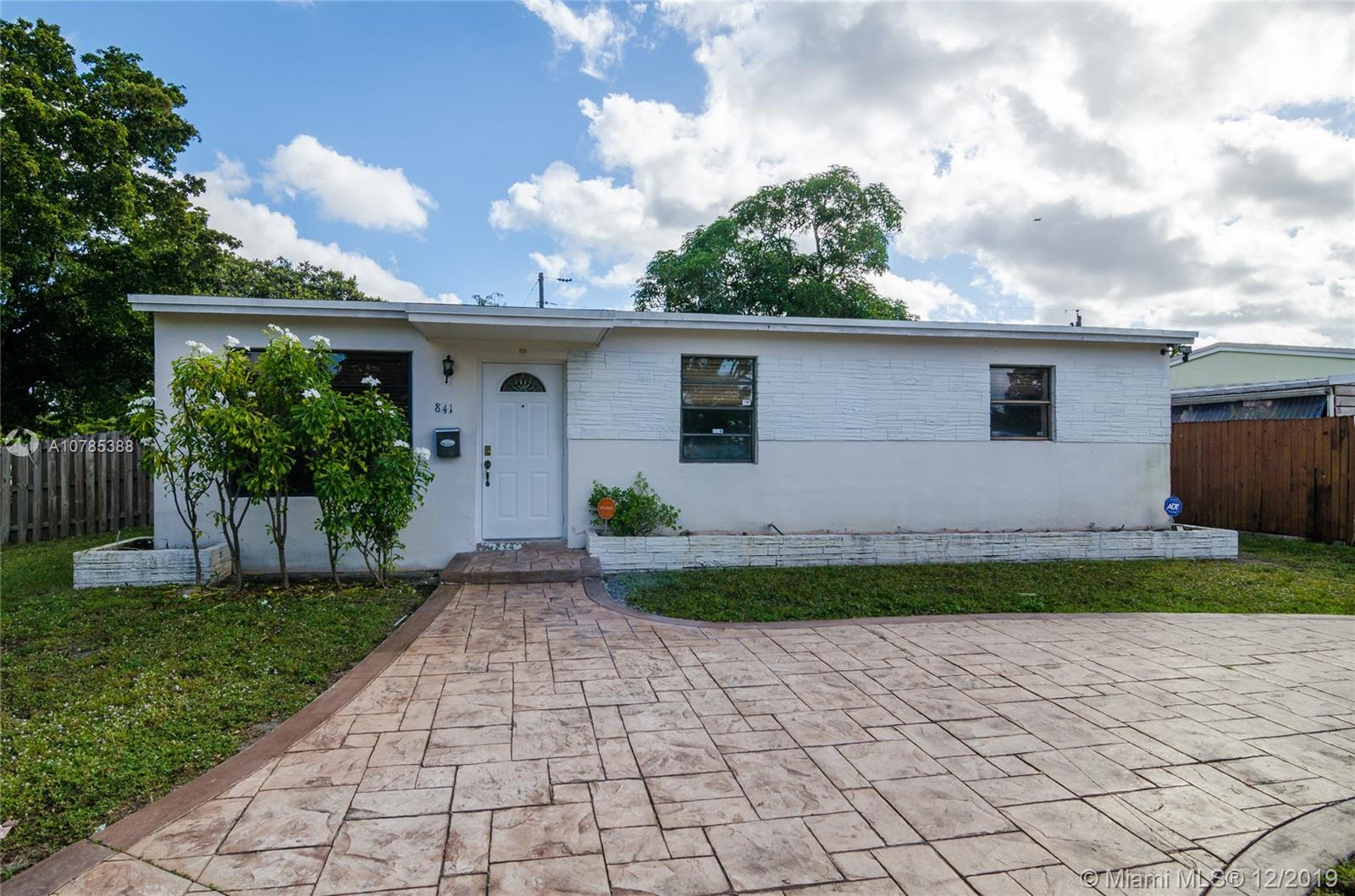 841 N 68th Ter  For Sale A10785388, FL