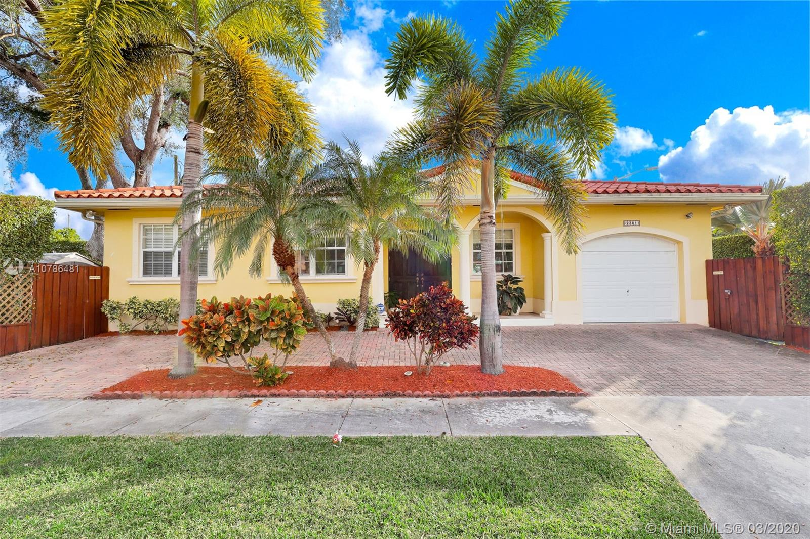 2301 SW 22nd Ave  For Sale A10786481, FL