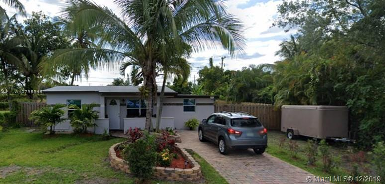 827 S 63rd Ave  For Sale A10786846, FL