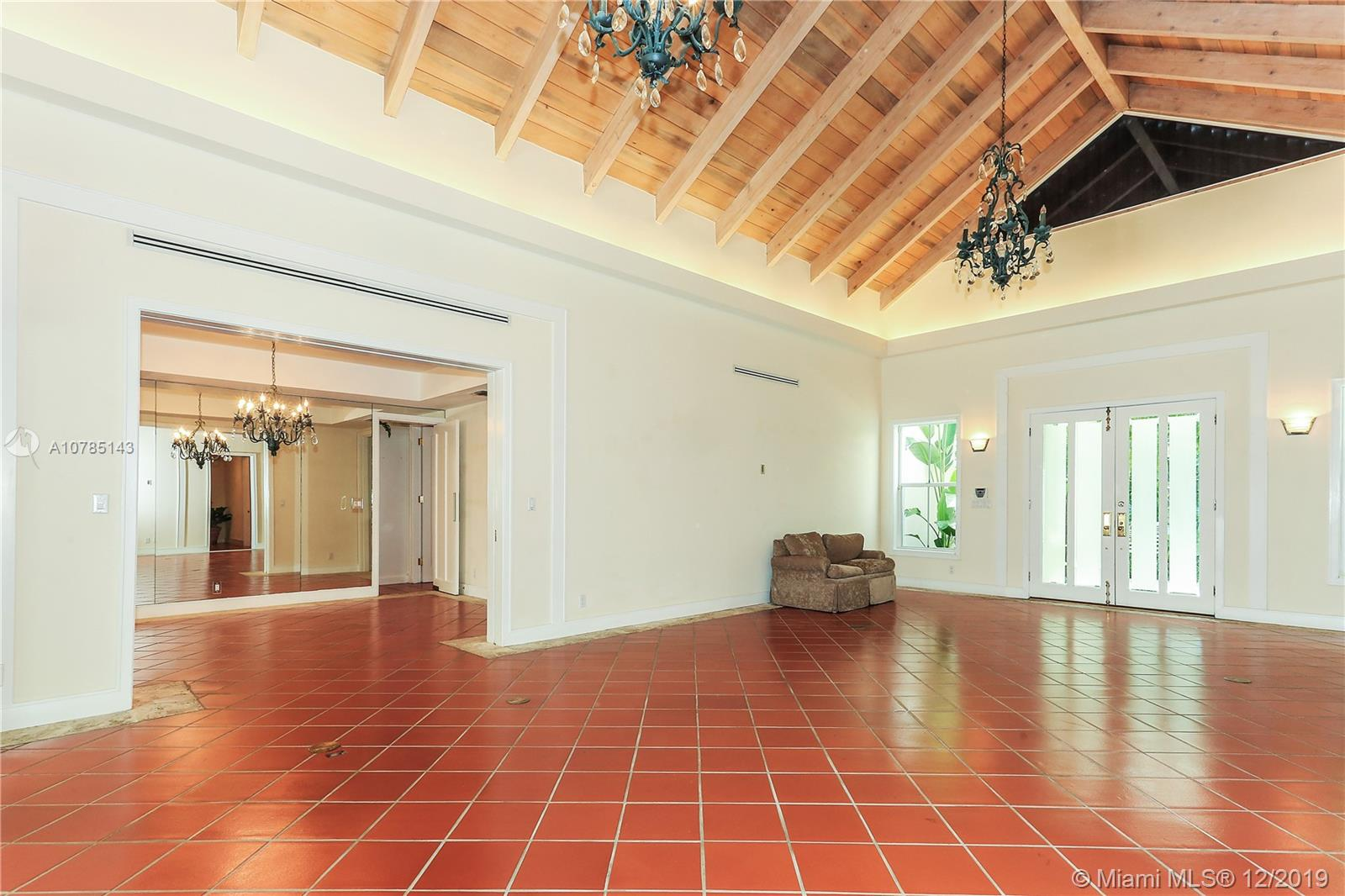 61  Island Dr  For Sale A10785143, FL