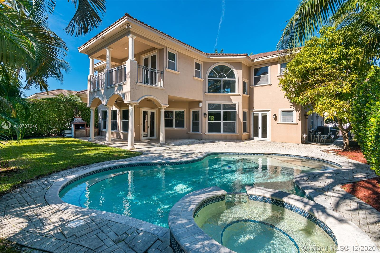 800  Beacon Ct  For Sale A10787048, FL