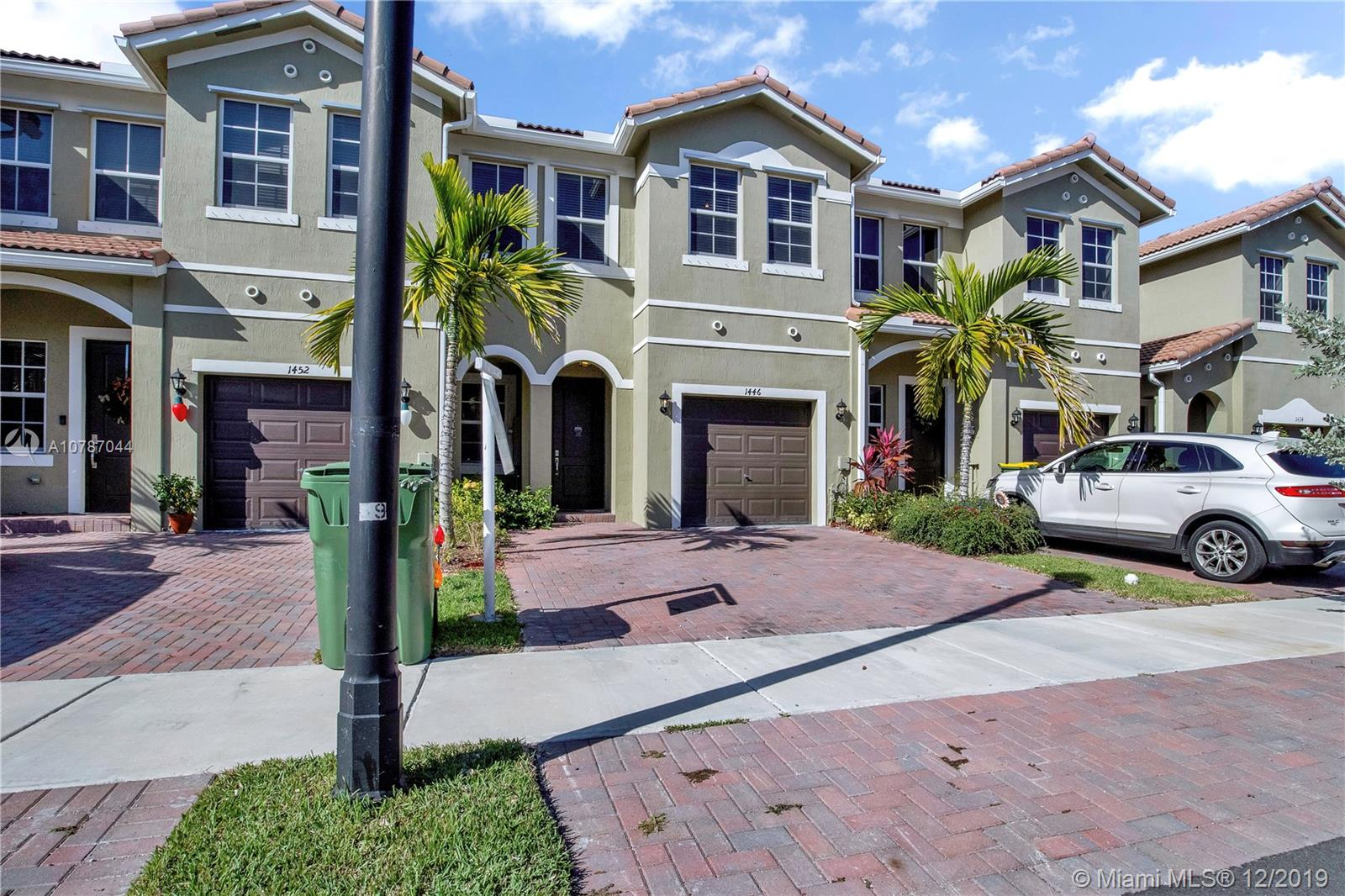 1446 SE 24th Ave  For Sale A10787044, FL