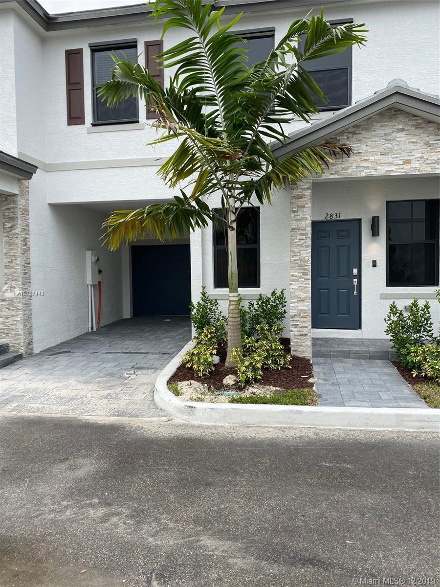 2831 SW 16 ter. #2831 For Sale A10787443, FL