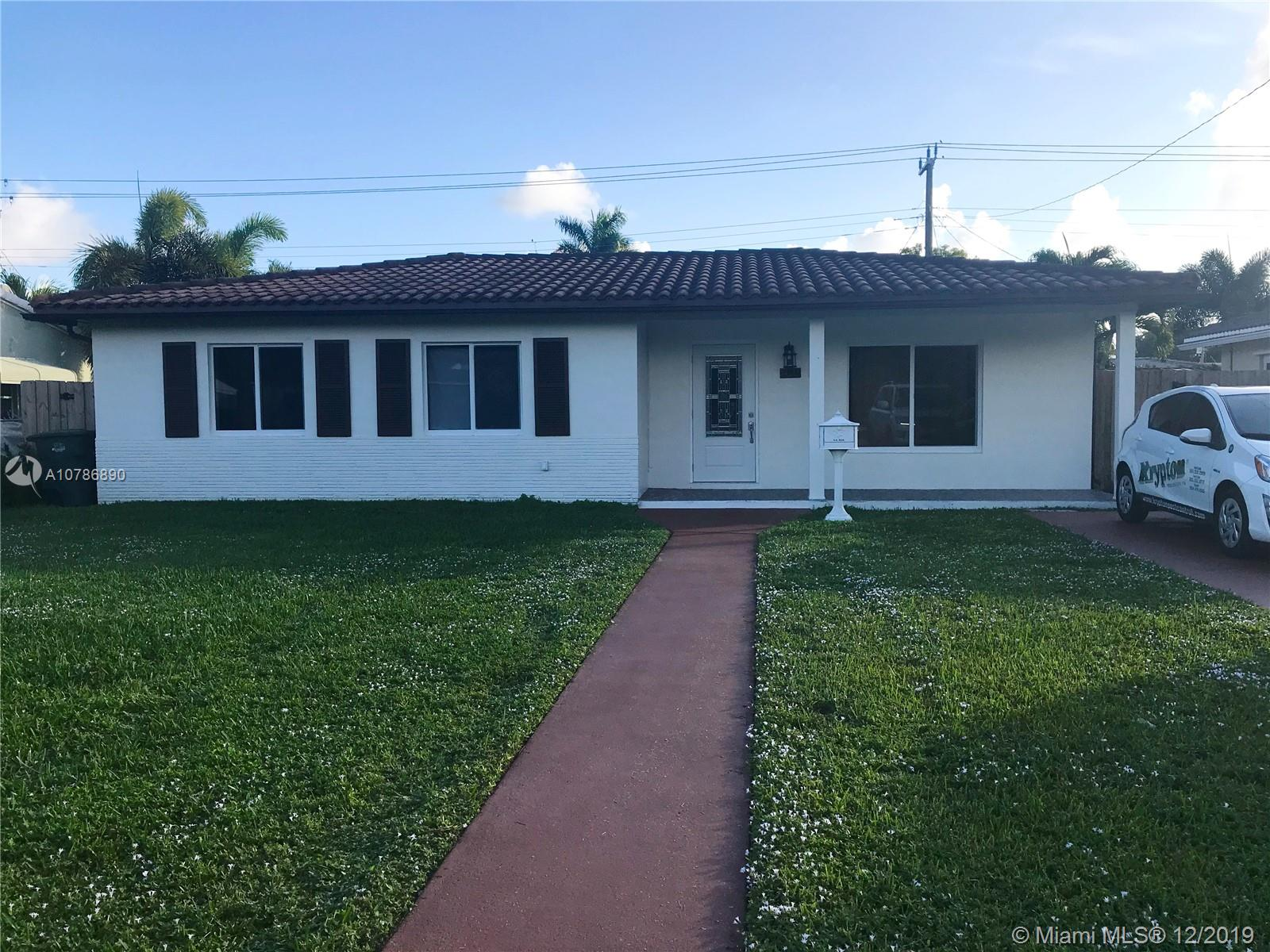 1100 E Moffett St  For Sale A10786890, FL