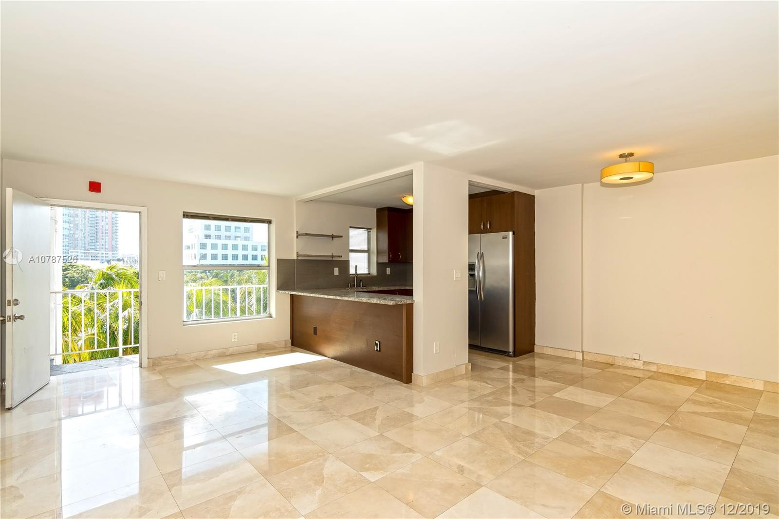 240  Collins Ave #5D For Sale A10787526, FL