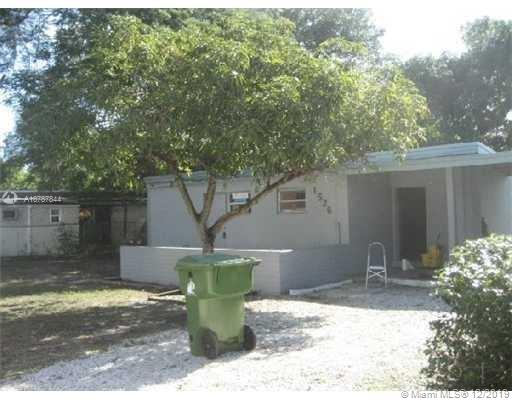 1526 NW 11th Ct  For Sale A10787844, FL