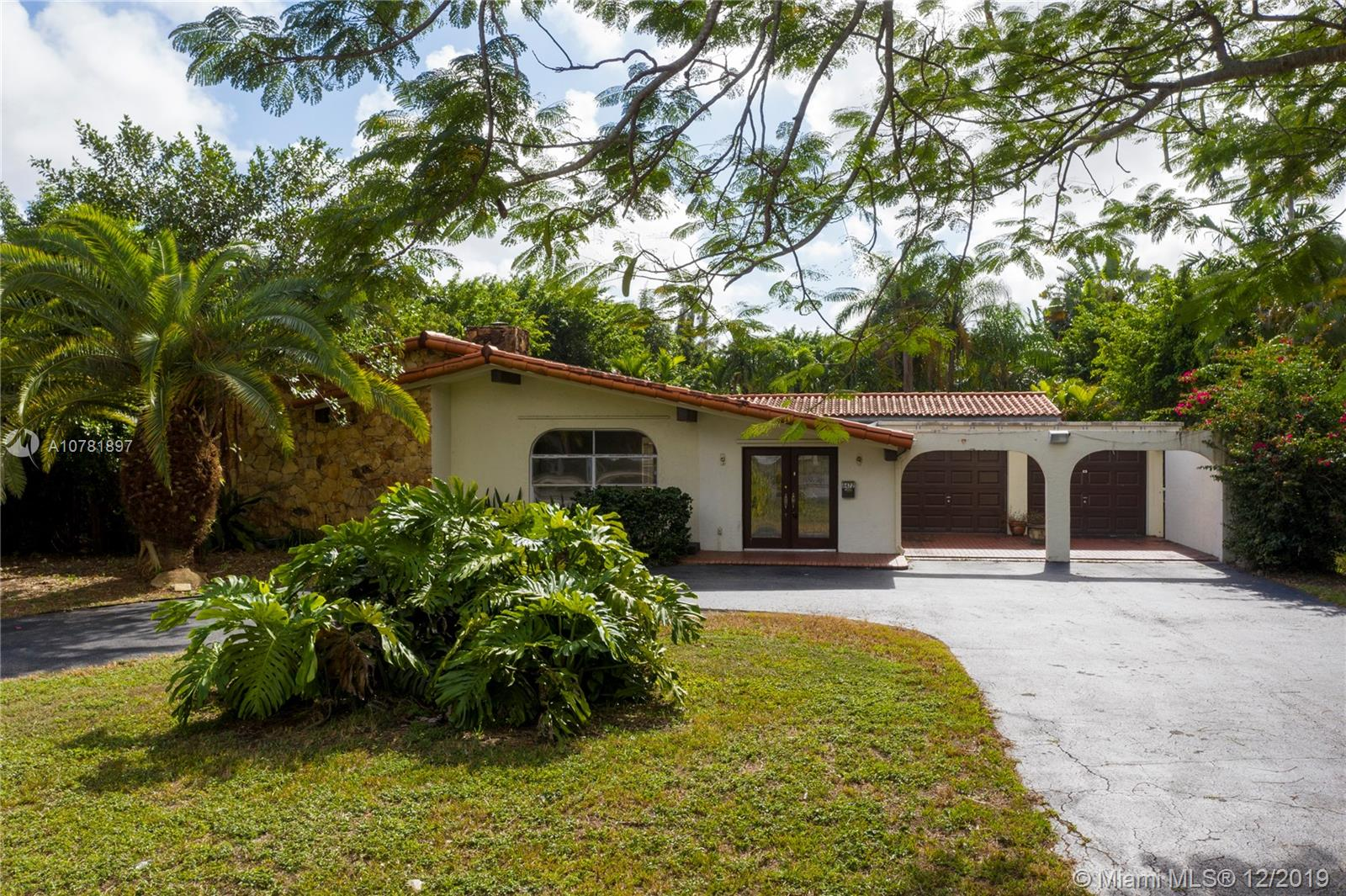8472 SW 56th St  For Sale A10781897, FL
