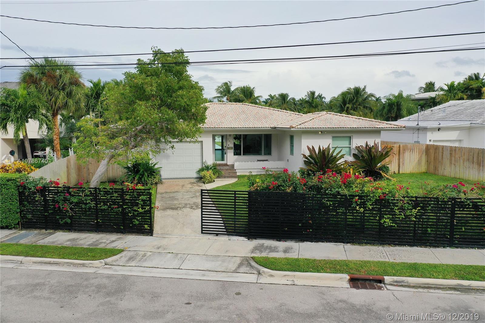 7621 NE 8th Ave  For Sale A10786740, FL