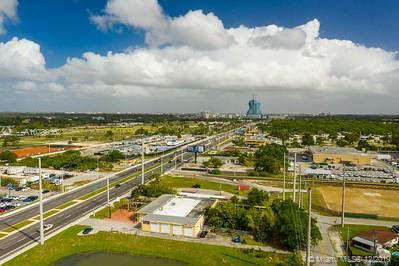 2807 N State Road 7  For Sale A10788002, FL