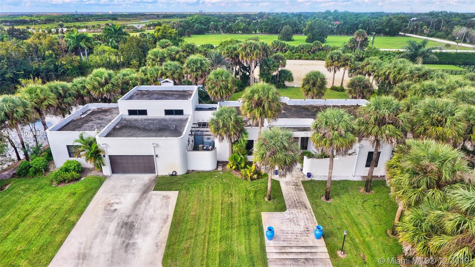 15835  Imperial Point Ln  For Sale A10788103, FL