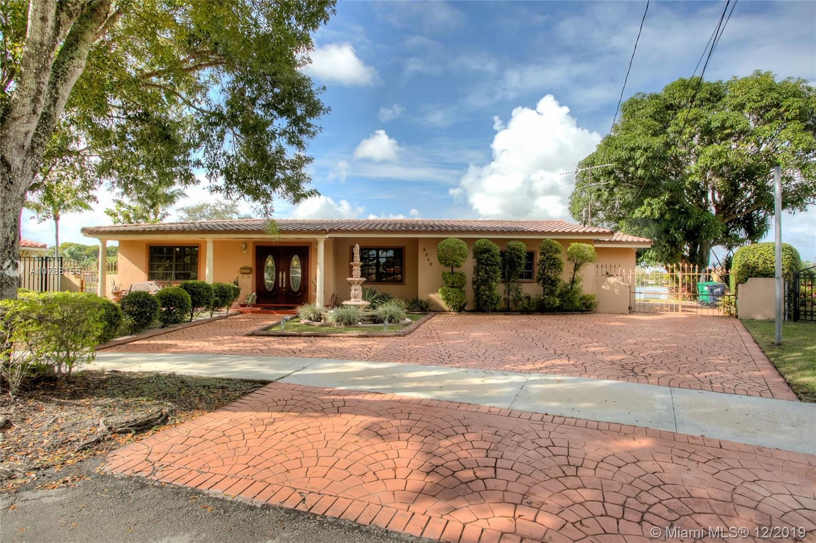6348 Lake Patricia Dr, Miami Lakes, FL 33014
