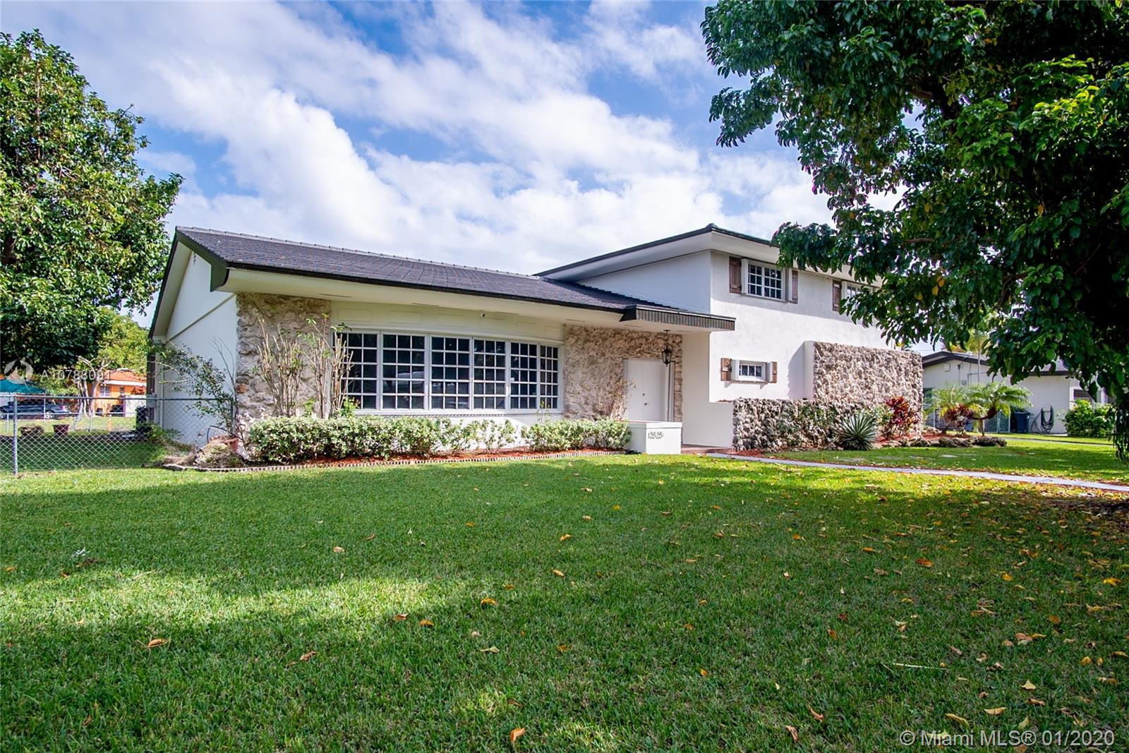 12525 SW 71st Ave  For Sale A10788091, FL