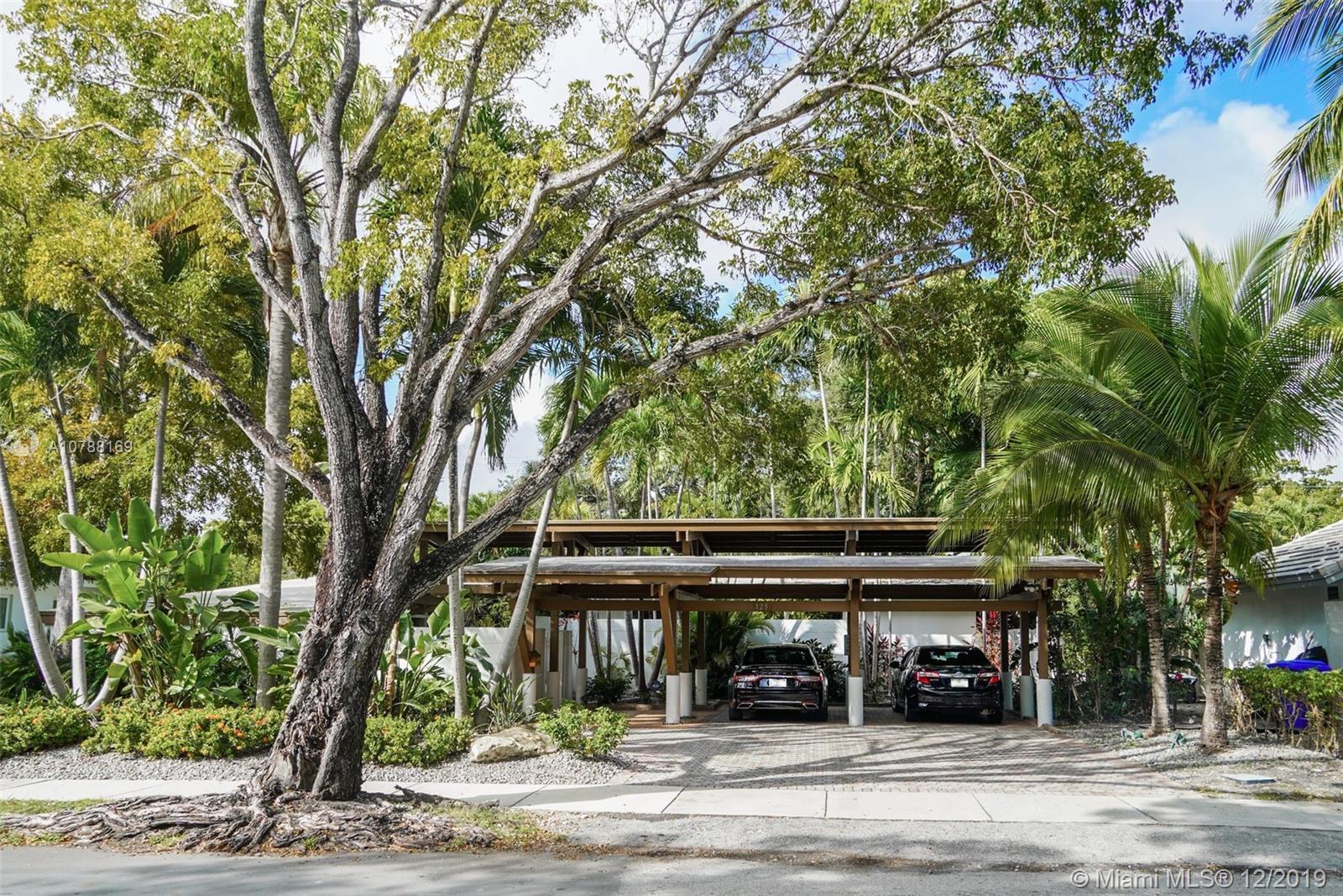 125 W Shore Dr W, Coconut Grove FL 33133