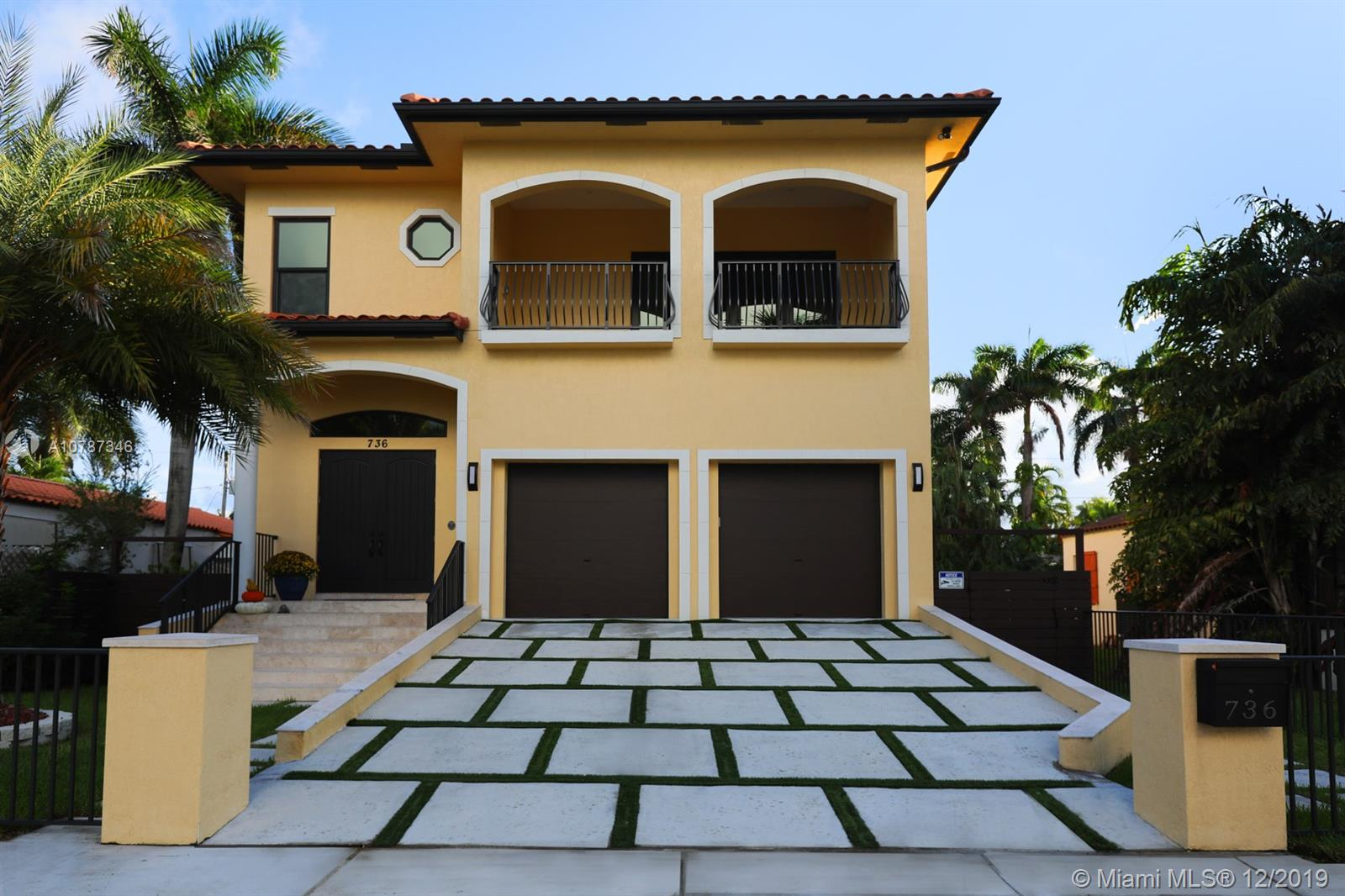 736  Tyler St  For Sale A10787346, FL