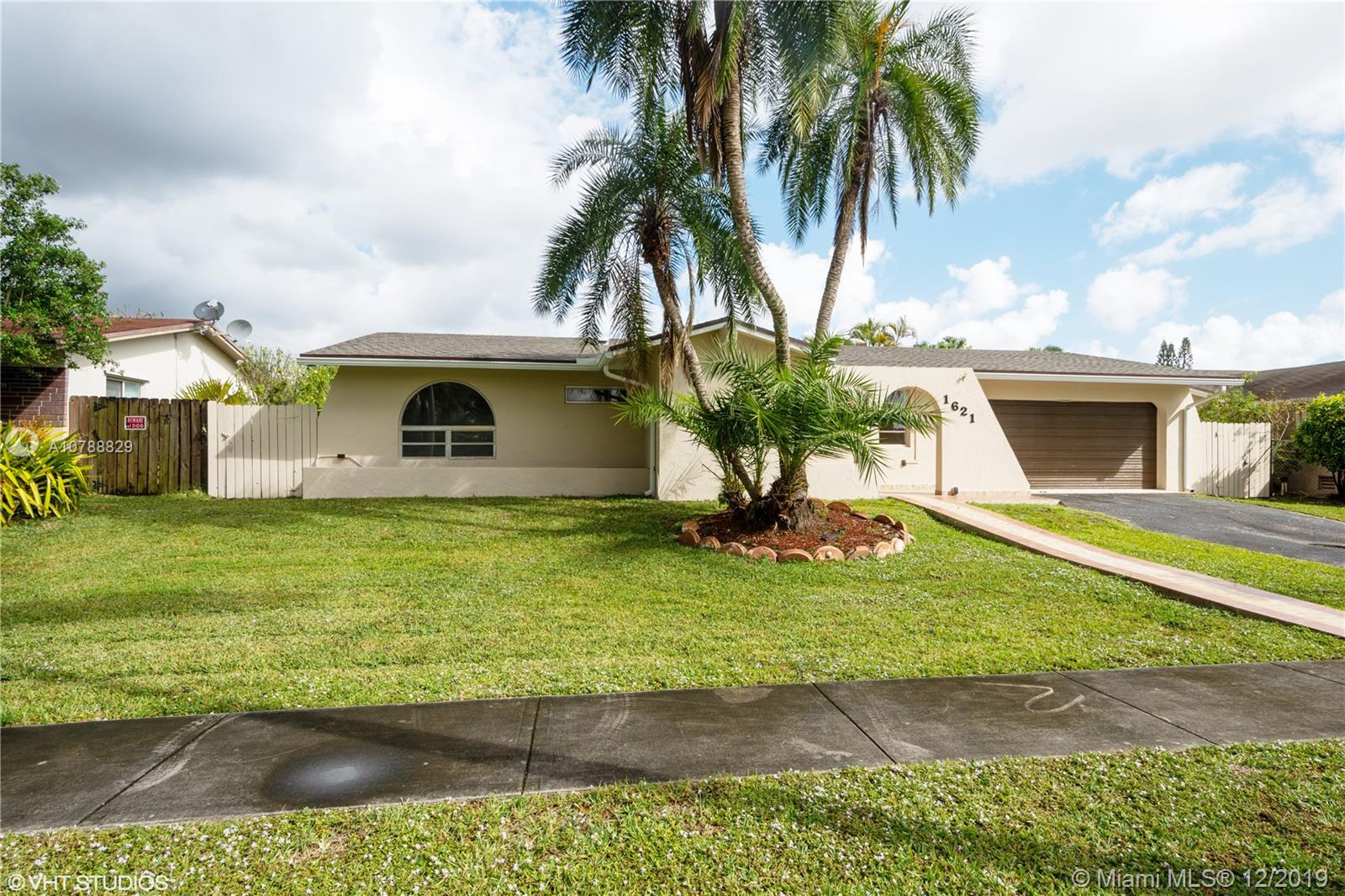 1621 NW 122nd Ave  For Sale A10788829, FL