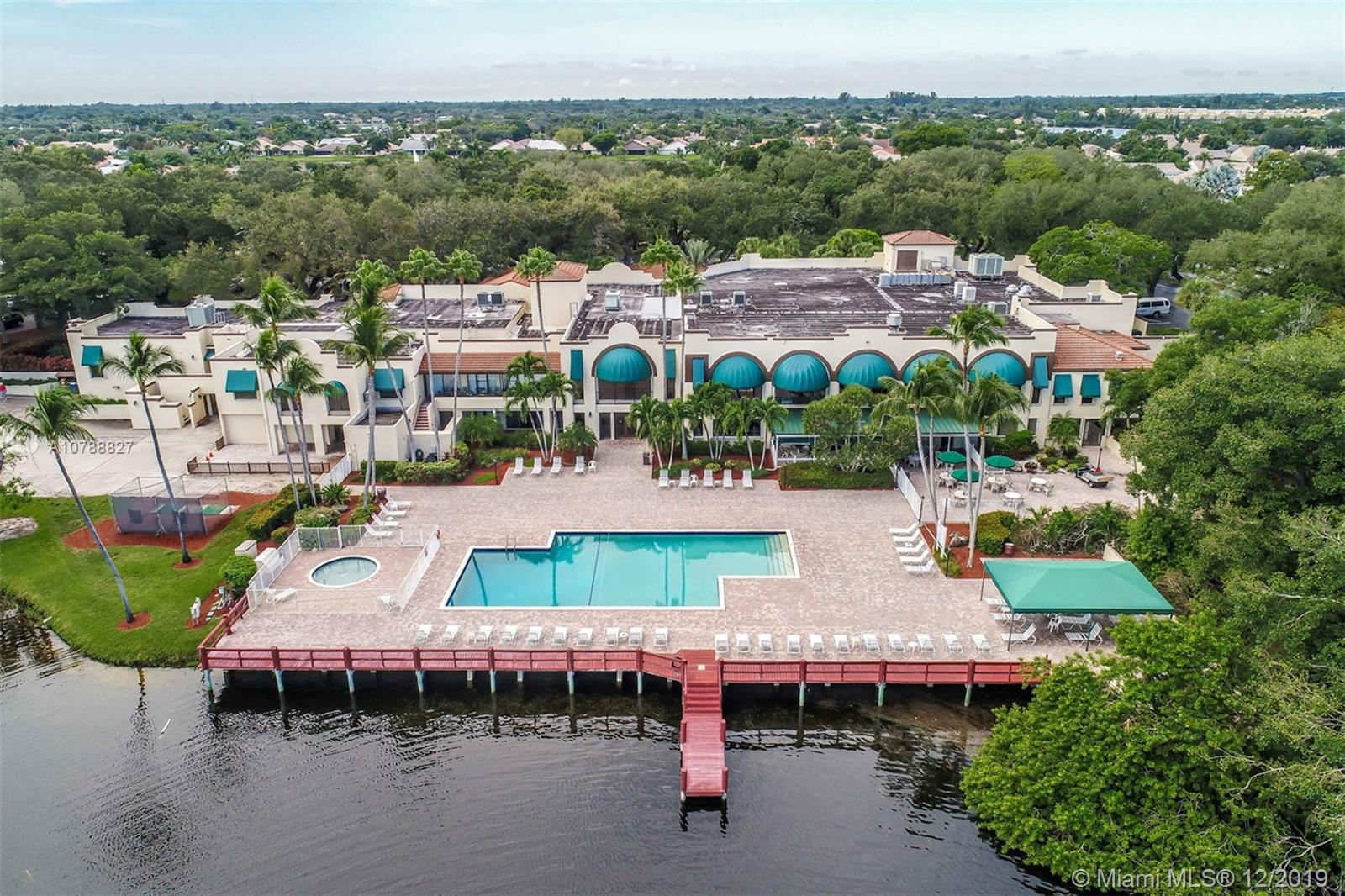 1516 W Whitehall Dr #205 For Sale A10788827, FL