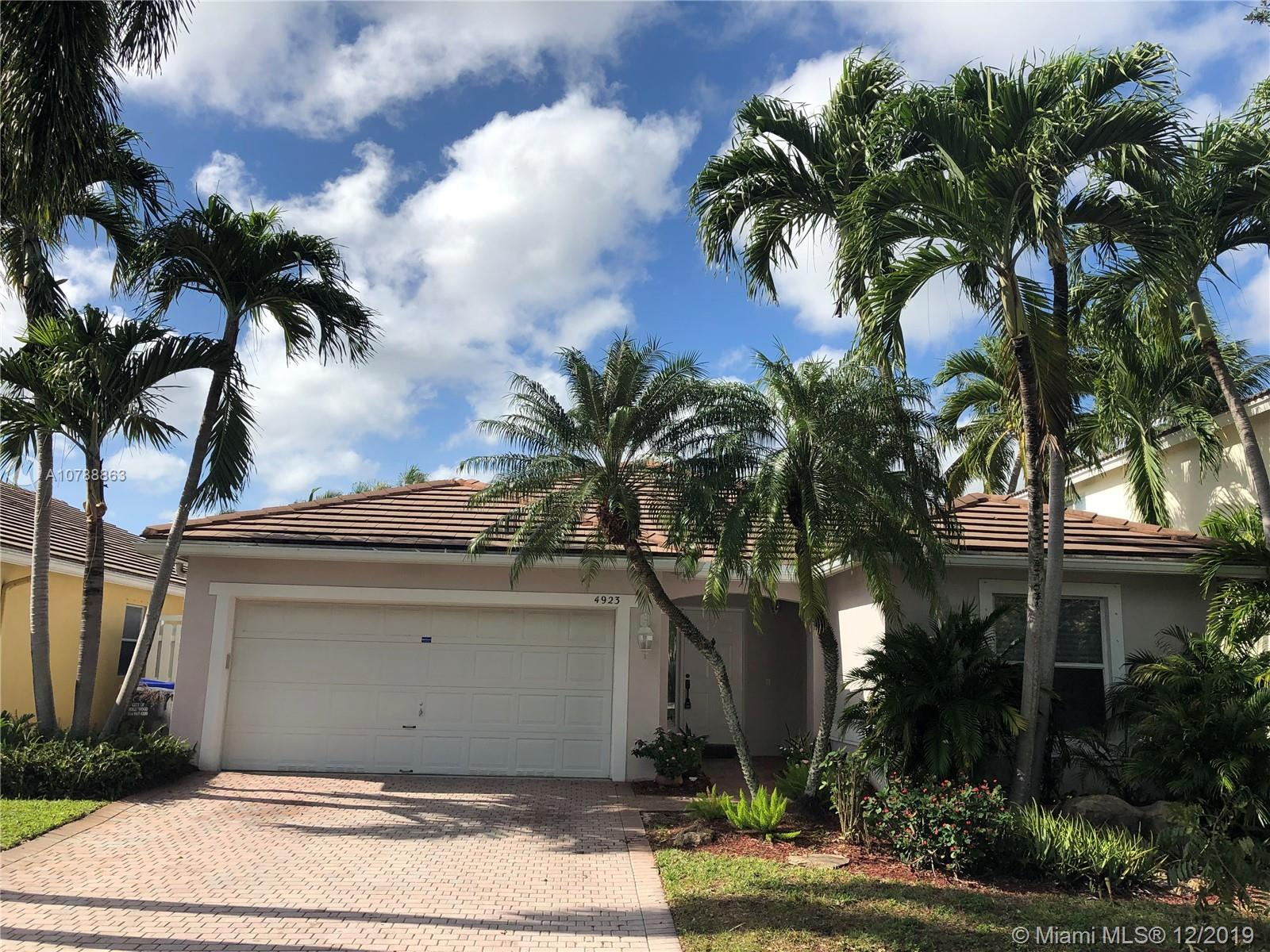 4923 SW 32nd Way  For Sale A10788863, FL